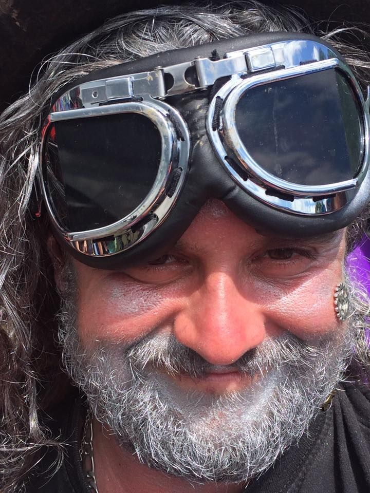 Ideas for festival style cyber pirates with lots of glitter and apocalyptic style steampunk costumes. Perfect for Glastonbury festival, Burning Man festival, Secret Garden Party, Boomtown festival. With group fancy dress ideas for space pirate festival fancy dress, pirate face paints, mermaid costumes, mermaid face paint, steampunk props and accessories.