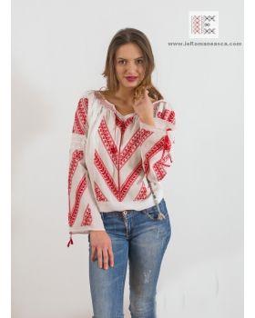 manually made embroidery -  romanian blouse- bohemian top - fashion - ie romaneasca worldwide shipping #vyshyvanka #romanianblouse #ia #ieromaneasca #bohostyle #bohemian #fashion #embroidery #handmade