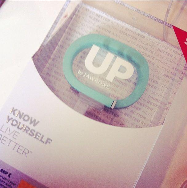 Trop contente car je suis une des premières en France a avoir pu tester le nouveau bracelet UP de Jawbone..