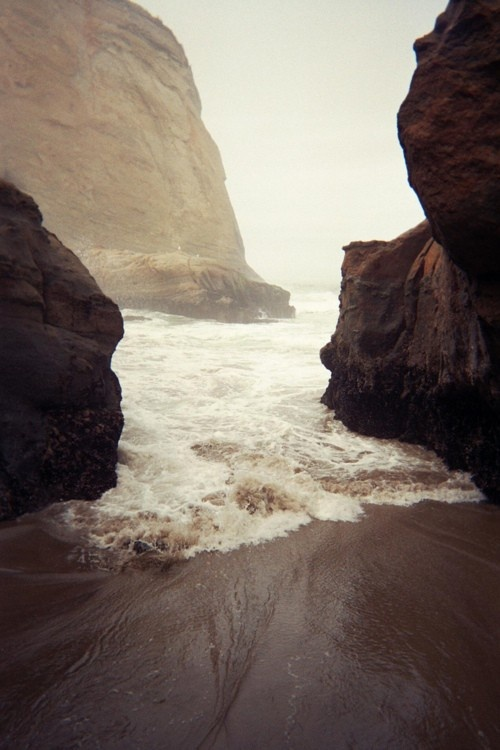 would love to be there!: Beaches, Open Spaces, Secret Places, The Ocean, Ocean Waves, Natural, Rocks, The Waves, The Sea
