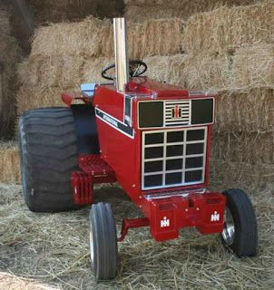 The Little Tractor Co: August 2012