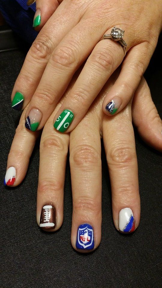 #SuperBowlXLIX Are you ready for some football? Who's it gonna be. Patriots vs Seahawks  SHOP HERE: http://www.Net2Cosmetics.com