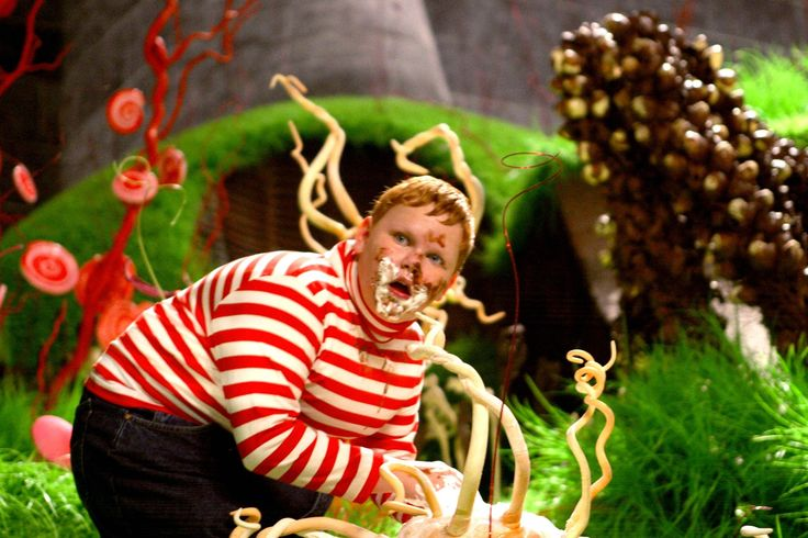 Still Of Philip Wiegratz In Charlie And The Chocolate Factory