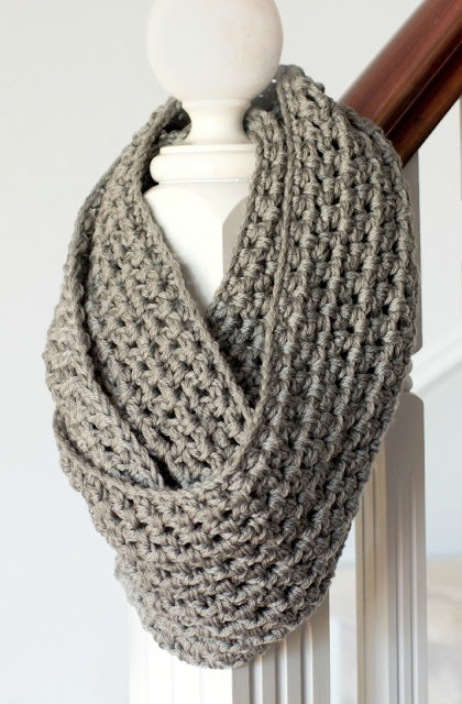 Basic Chunky Infinity Scarf Crochet Pattern via My Favourite Things