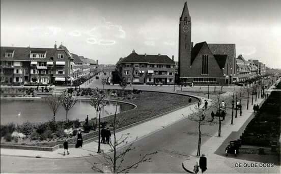 Korreweg/ Celebesstraat met Floresplein Groningen 1940