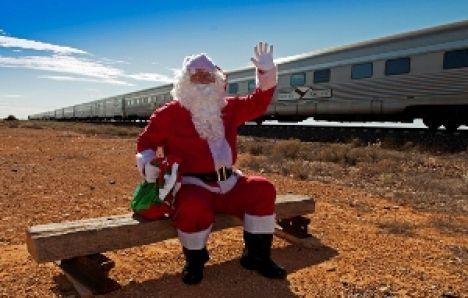 Spendensammler auf der Schiene: Father Christmas.