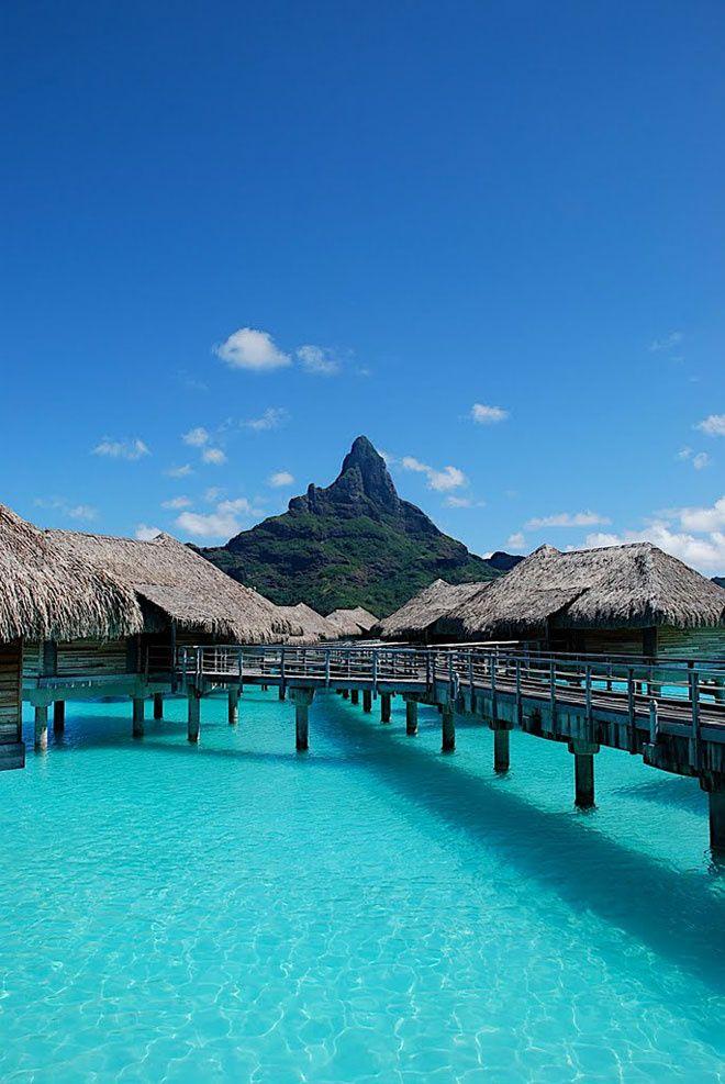 L'InterContinental  Bora Bora http://www.vogue.fr/mariage/inspirations/diaporama/le-top-10-des-htels-spcial-lune-de-miel-du-printemps-voyages/19429