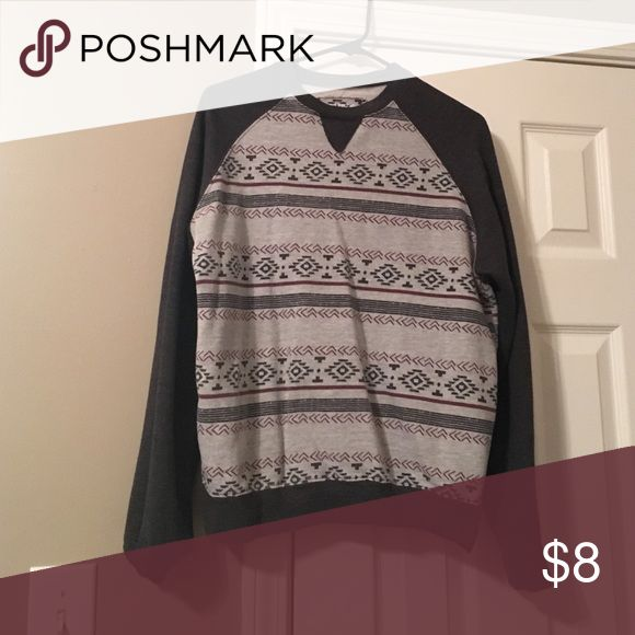 Tribal print sweater Tribal print sweater! Comfy material Rue 21 Sweaters