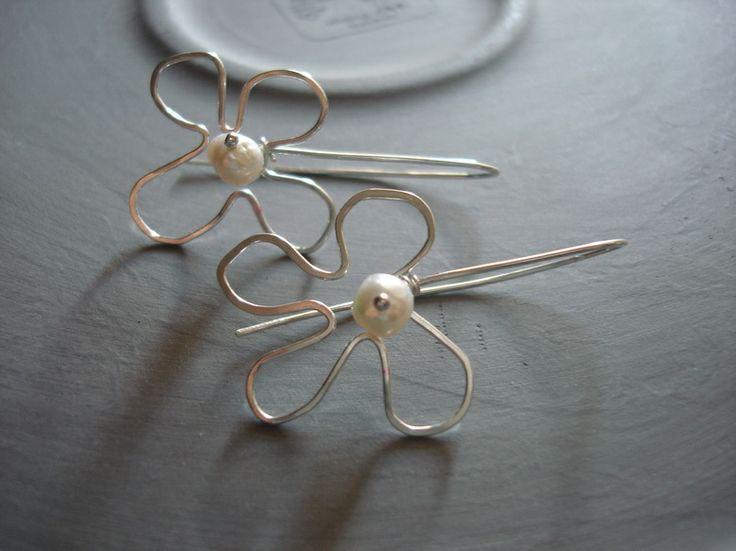 Pearl Flower Earrings by INOMINOS