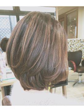 ハイライト+前下がりボブ【自由が丘 美容室que's by neolive】 - 24時間いつでもWEB予約OK!ヘアスタイル10万点以上掲載!お気に入りの髪型、人気のヘアスタイルを探すならKirei Style[キレイスタイル]で。