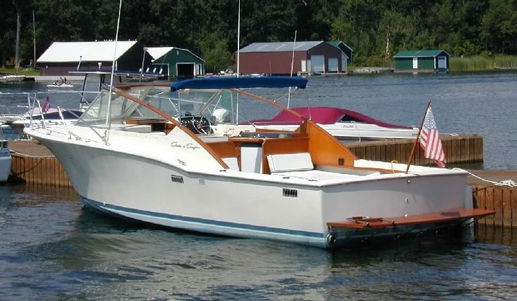 1978 30' Chris Craft Ray Hunt Sportsman By Barbara Photo:  This Photo was uploaded by Dogsharks. Find other 1978 30' Chris Craft Ray Hunt Sportsma...