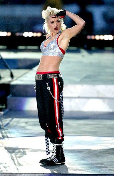 Super Bowl performance! One of my favorite performance of No Doubt's :)