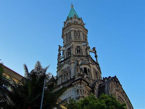Torre burlesca. | por valtencirmoraes