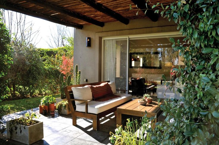 Outdoor Spaces, Outdoor Living, Outdoor Decor, Cadiz, Brick Wall, Outdoor Furniture Sets, House Plans, Pergola, Sweet Home