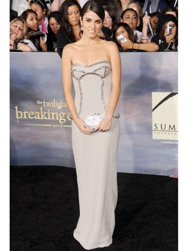 Nikki killed it in a Versace floor-length dress last night at the #BreakingDawn Part 2 premiere! #Twilight