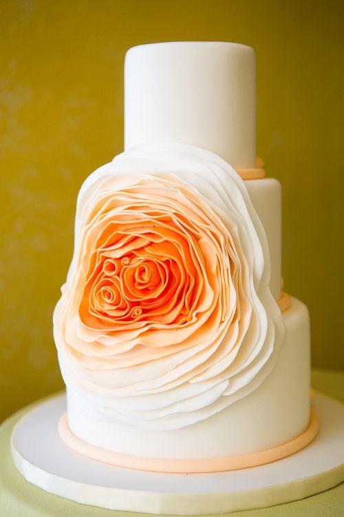Flower ombre wedding cake.<3