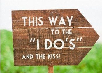 """Outdoor wedding ceremony sign """"I do this way"""""""