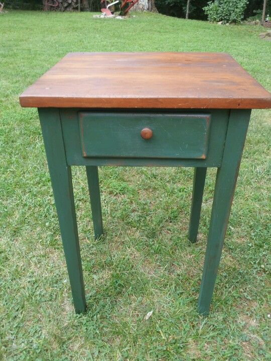 Single drawer table