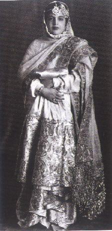 585 Ritu Kumar, A story of sartorial amalgamation #classic bollywood #vintage indian inspiration black and white image