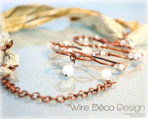 Pendente in filo di rame con decorazione di perle e cristalli