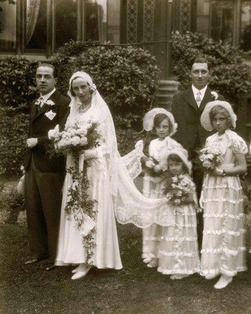 vintage wedding party - 1920s?
