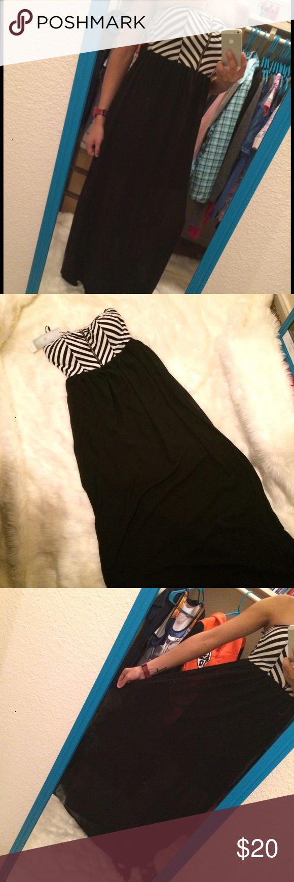 """New with tags attached stripe maxi dress sz M ♥️All my items are cross posted so please understand in case I have to cancel a transaction it's due to being sold somewhere else thanks 💕 Brand new with tags only worn for photo has built in mini slip and sheer outer bottom layer I'm 5'5"""" btw #sumer #stripes #blackandwhite #black #white #mom #momlife #juniors #nwt Iris Dresses Maxi"""