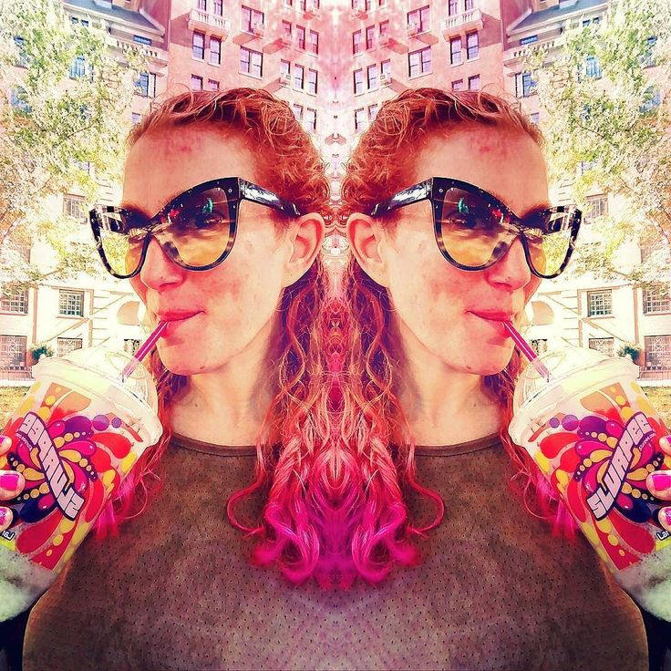 I'm not sure that I've ever had any other kind of #slurpee than #cocacola. #sugaraddict #sweettooth III III III #7eleven #711slurpee #slurpeeselfie #seveneleven #washingtonsquarepark #washingtonsquare #westvillage #westvillagelife #westvillagenyc #greenwichvillage #downtownnyc #NYC #redhead #pinkhair