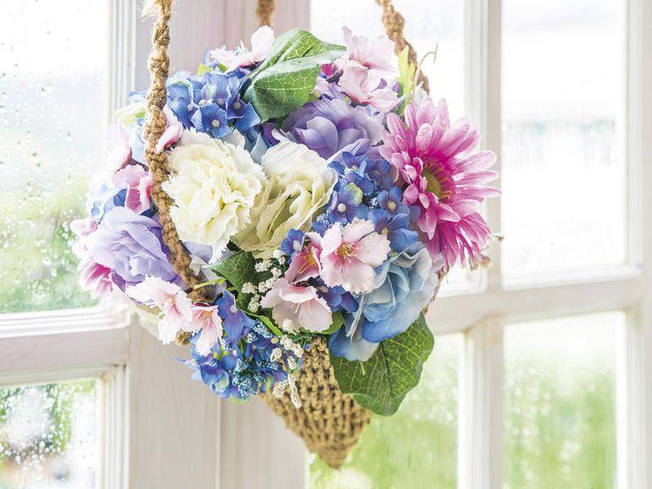 Centro colgante de #camelias #Decorar con #flores