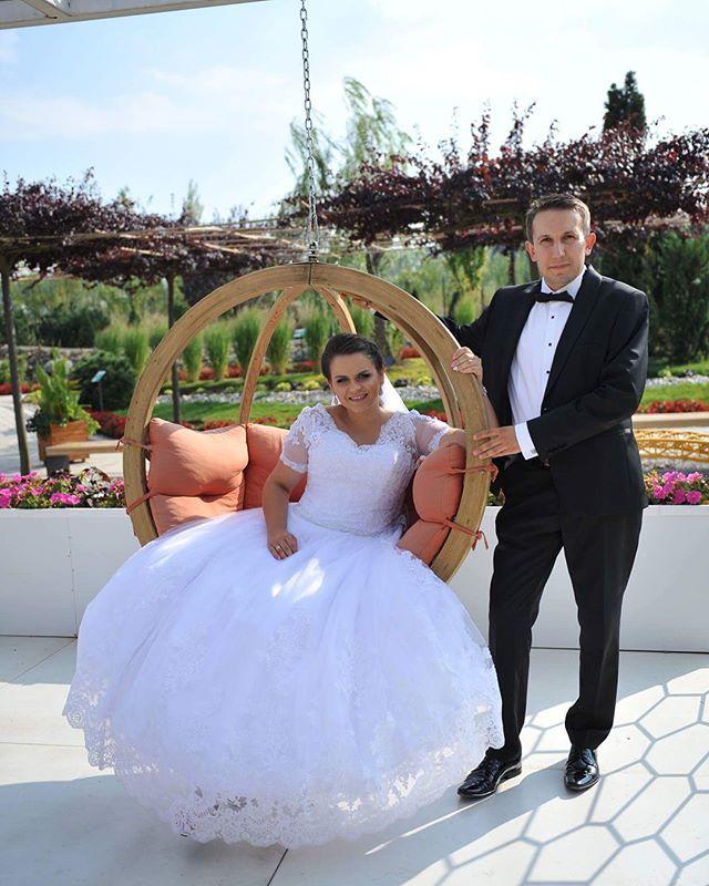 """""""Rok temu o tej porze😍Nasza Papierowa rocznica💑💒#rocznicaslubu #wedding #weddingdress #weddingphotography #weddingmakeup #weselnainspiracja #naszdzien #papierowarocznica #małżeństwo #razem #love #lovely #weddingday"""" by @ms.agnieszk.a. #eventplanner #weddingdesign #невеста #brides #свадьба #junebugweddings #greenweddingshoes #destinationweddingphotographer #dugunfotografcisi #stylemepretty #weddinginspo #weddingdecor #weddingstyle #destinationwedding #weddingflowers #weddingdetails…"""