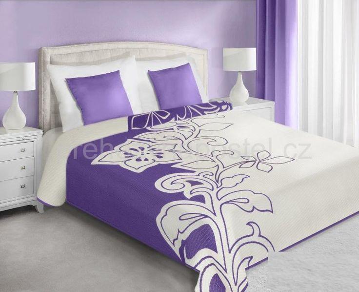 Oboustranné přehozy na postel fialovo krémové barvy vzorované