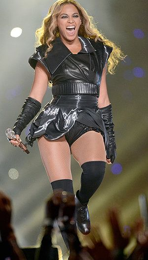 All the details on Beyonce's #SuperBowl costume by designer Rubin Singer. (Getty Images)