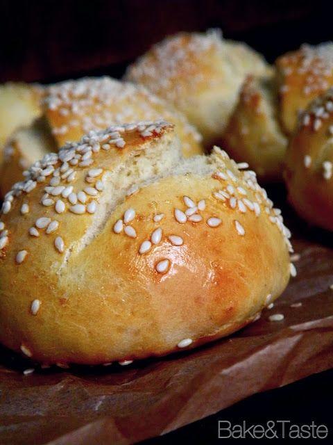 Bake&Taste: Bułki na hamburgery - szybkie bułeczki drożdżowe