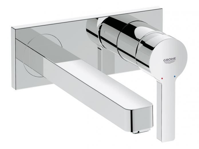 The Lineare 215 Wall Basin Mixer Set is unique in the perfect interaction of the round handle with the rectangular shape of the spout, radiating relaxation and harmony. In addition, GROHE SilkMove ensures balanced, effortless handling.