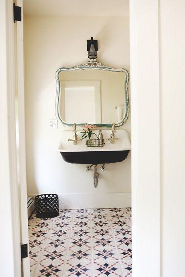 Vintage bathroom with Spanish tiled floors