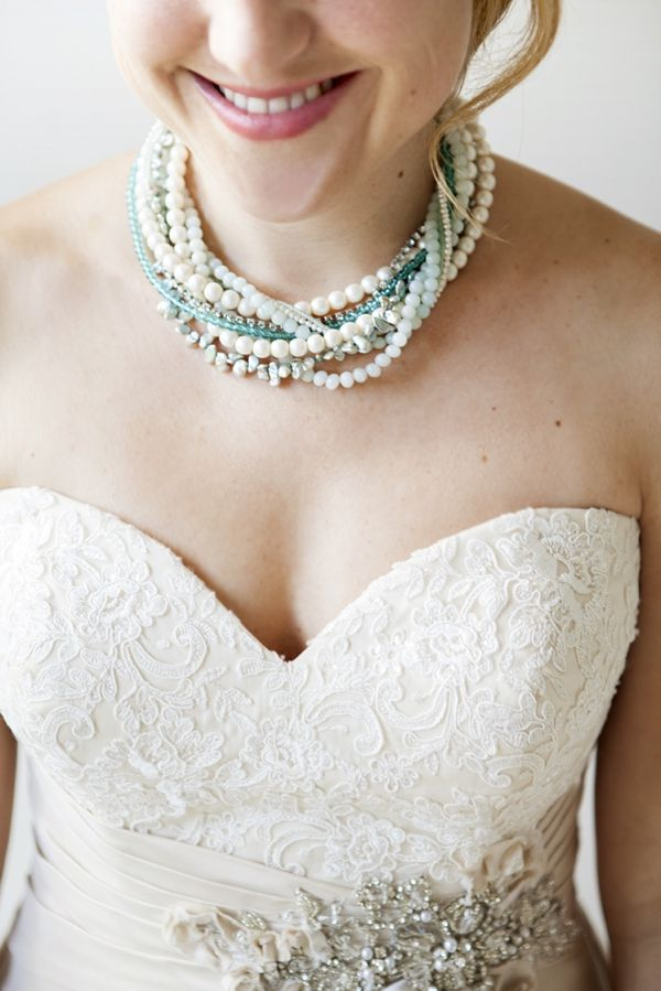 DIY Jewelry // How to make a twisted, multi-strand bridal statement necklace. Check out our super detailed step by step tutorial!!! #somethingturquoise