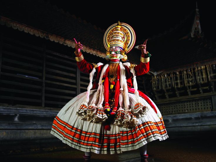 Kerala is a rich state with more than 50 forms of dances. Every festivity here is clubbed with splendid performances of dance and art forms portraying local legends, traditional stories, age-old customs, cultural beliefs and much more.