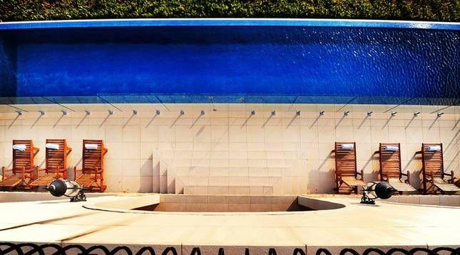 Stunning luxury villa @ Villa Vivante | Coffs Harbour, NSW | Accommodation. 2014 National Indulgence Award Winner. From $1100 per night. Sleeps 11. #poolside #luxury