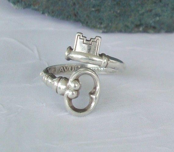Vintage skeleton key Avon ring