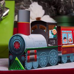 free printable train. LOVE tese 3D paper crafts from I was a little girl and they came in punch out books