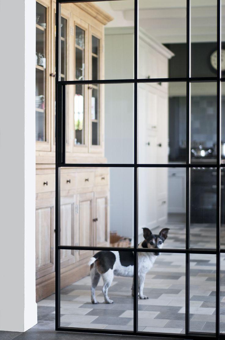 18 best portes en fer forg images on pinterest iron. Black Bedroom Furniture Sets. Home Design Ideas