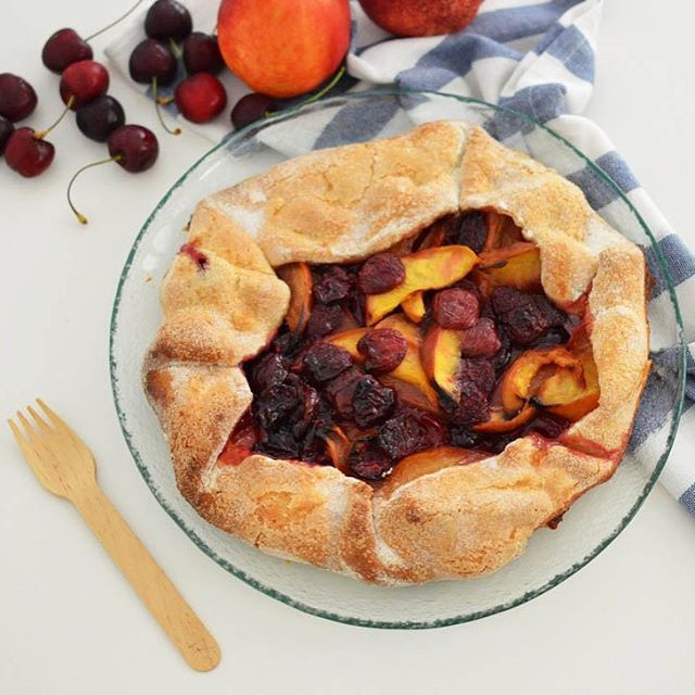 Yummy pie by Cool Artisan !  ➡Get the Cupa Glass Clear Glass Risotto Plate. Contact us at info@cupa.glass #delicious #pie