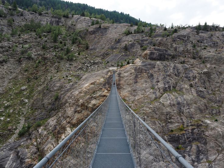 https://flic.kr/p/zGT2Lx | Extreme Environments - The 124 metre long hanging bridge over the 50 metre deep Massa Gorge which provides a safe link on the path from Belalp to Riederalp, Switzerland