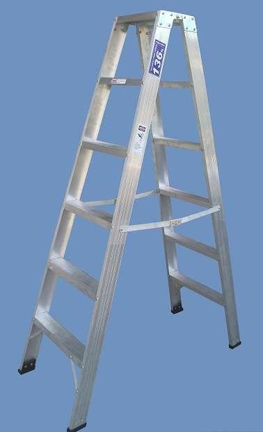Escalera Aluminio Reforzada Tijera Doble acceso 6 esc Altura 1.80 mts http://monte-castro.clasiar.com/escalera-aluminio-reforzada-tijera-doble-acceso-6-esc-id-214968