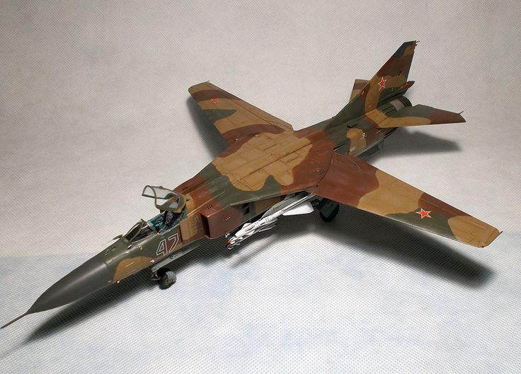BUILT 1/48 MiG 23ML Flogger-G + PE EDUARD Interior set  #TrumpeterPEEduardinteriorset
