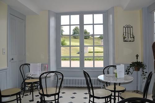 épinglé par CM ⊱Salon de thé au château de Pontécoulant ...