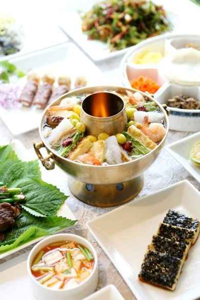 Korean casserole (sinseollo / 신선로) - a colorful assortment of pan-fried delicacies in a clear stock. Historically, this meal was reserved for royalty.