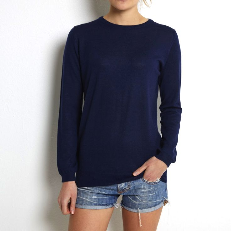Fine knit navy cashmere www.wildwool.no
