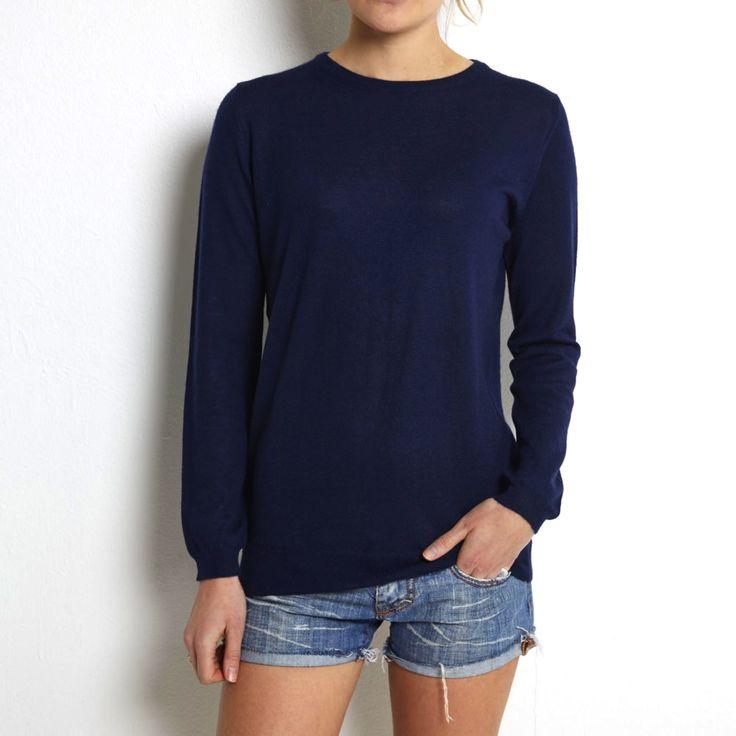 Fine knit navy cashmere www.wildwool.no