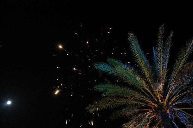 Los fuegos artificiales son cruciales en nuestras fiestas, creando un ambiente que tienes que vivir.