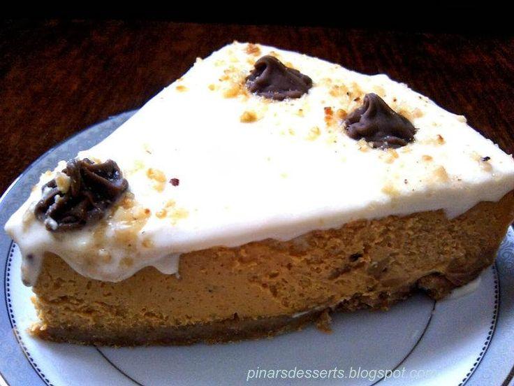 Bal kabaklı cheesecake, enfes bir tat, bu muhteşem tarifi mutlaka deneyin. Tarçın, muskat ve zencefilin balkabağıyla muhteşem uyumu, haydi malzemelerle başlayalım...